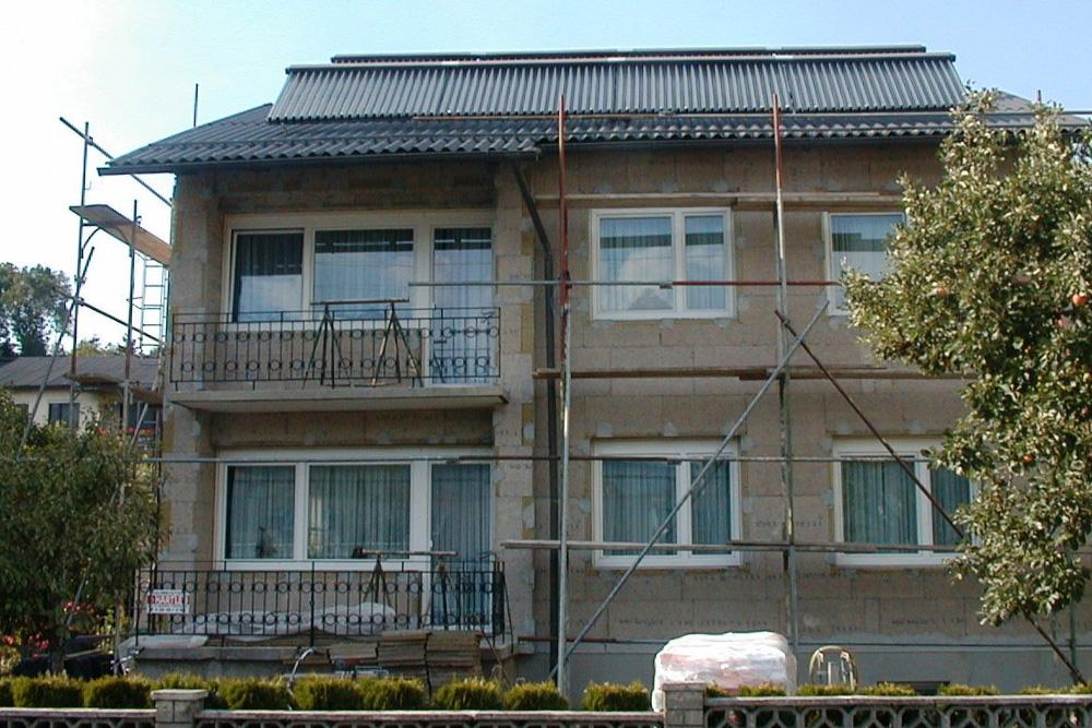 Ökohaus-Althaus Liebminger, Gerüst, Dämmung der Fassade, Steinwolle, Mineralwolle, Fassadendämmung