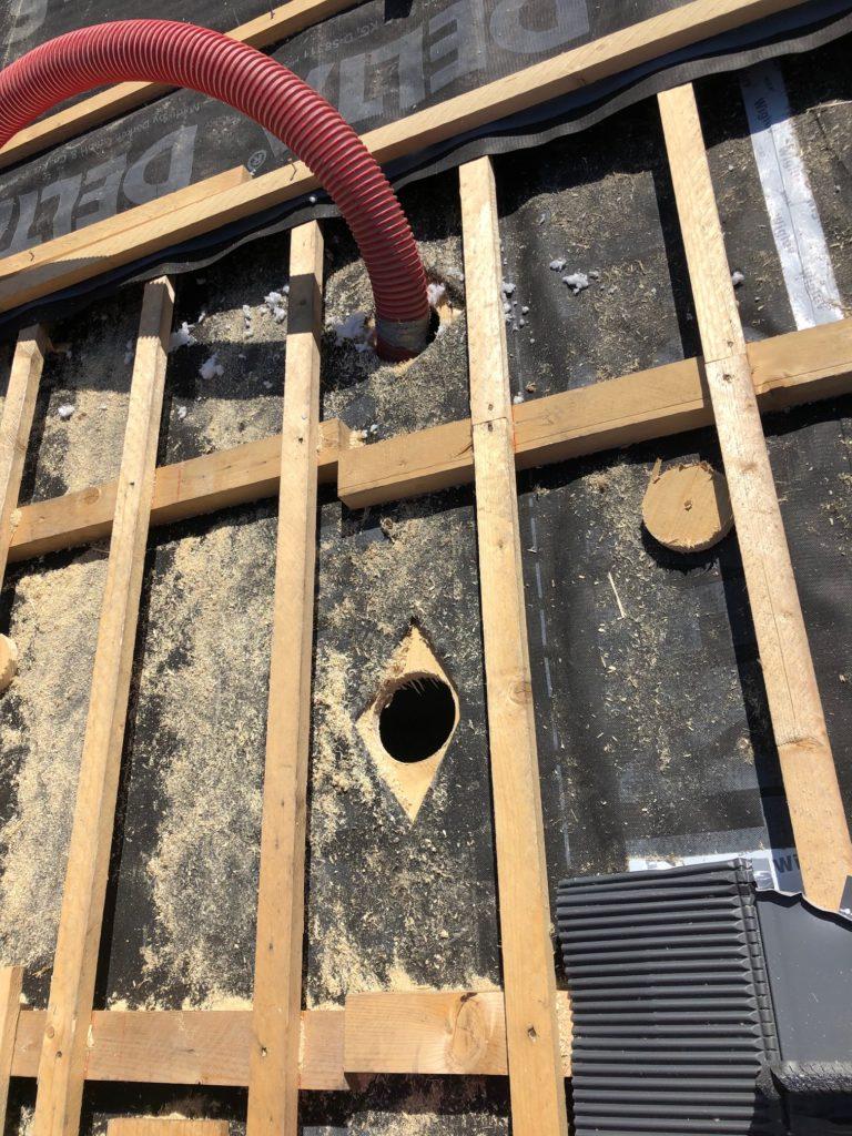 Foto Baustelle Dach Einblasschlauch
